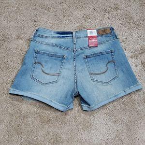NWT! Womens Levi's Jean Shorts